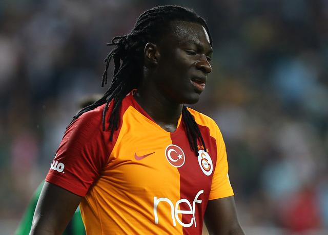 Galatasaray'da Gomis krizine son nokta! El sıkışıldı...