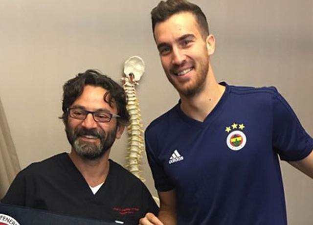 Fenerbahçe'nin yeni transferi formayı giydi!