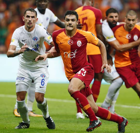 Galatasaraylı taraftarların Ozan Kabak heyecanı!