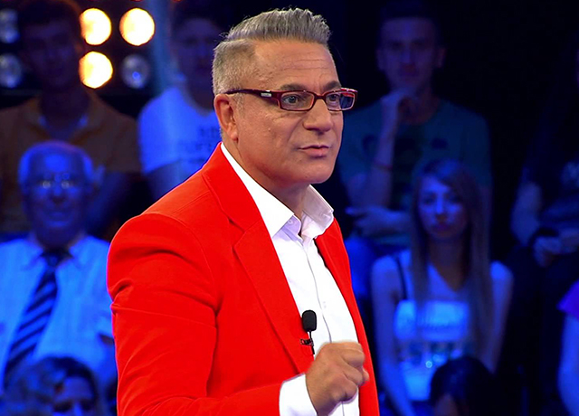 Mehmet Ali Erbil, hastaneye kaldırıldı!