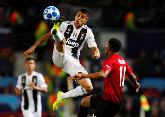 Ronaldo'dan alkış alan hareket! Gönülleri fethetti...