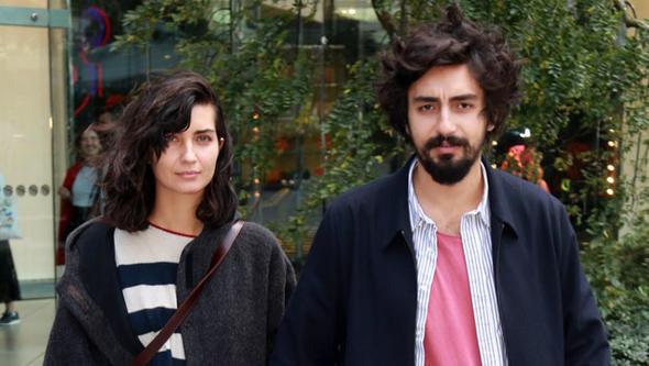 Ünlü çiftten gazetecilere uyarı! 'Olumsuz bir durum yok'