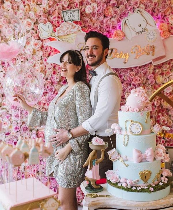 Pelin Akil ikizlerine babyshower düzenledi: ''Alin ve Lina'nın çay partisi''