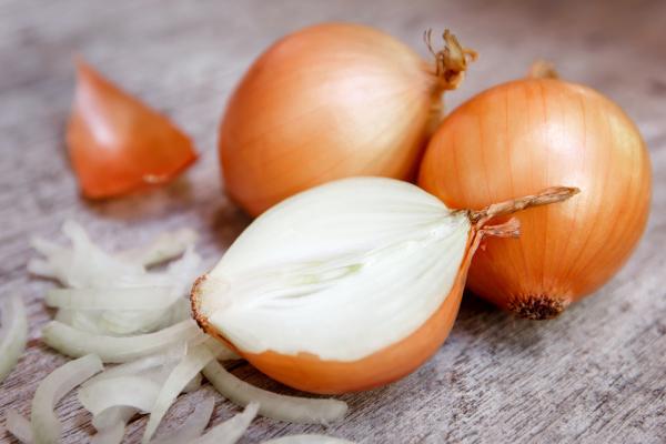 Her gün soğan yiyorsanız vücudunuza bunlar olabilir...