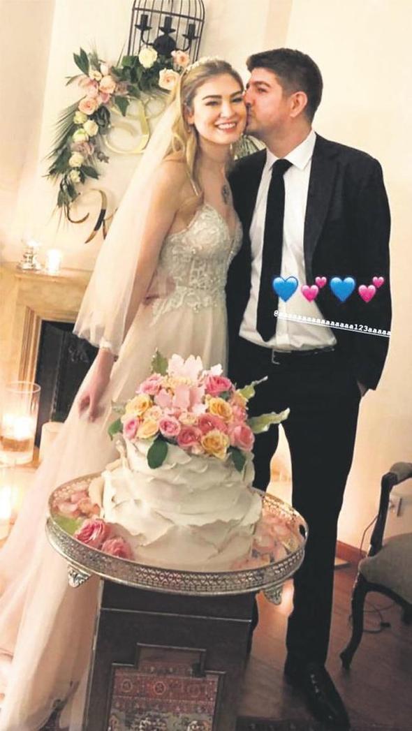 Mehmet Ali Erbil'in eski eşi Sedef Altuntaş evlendi!