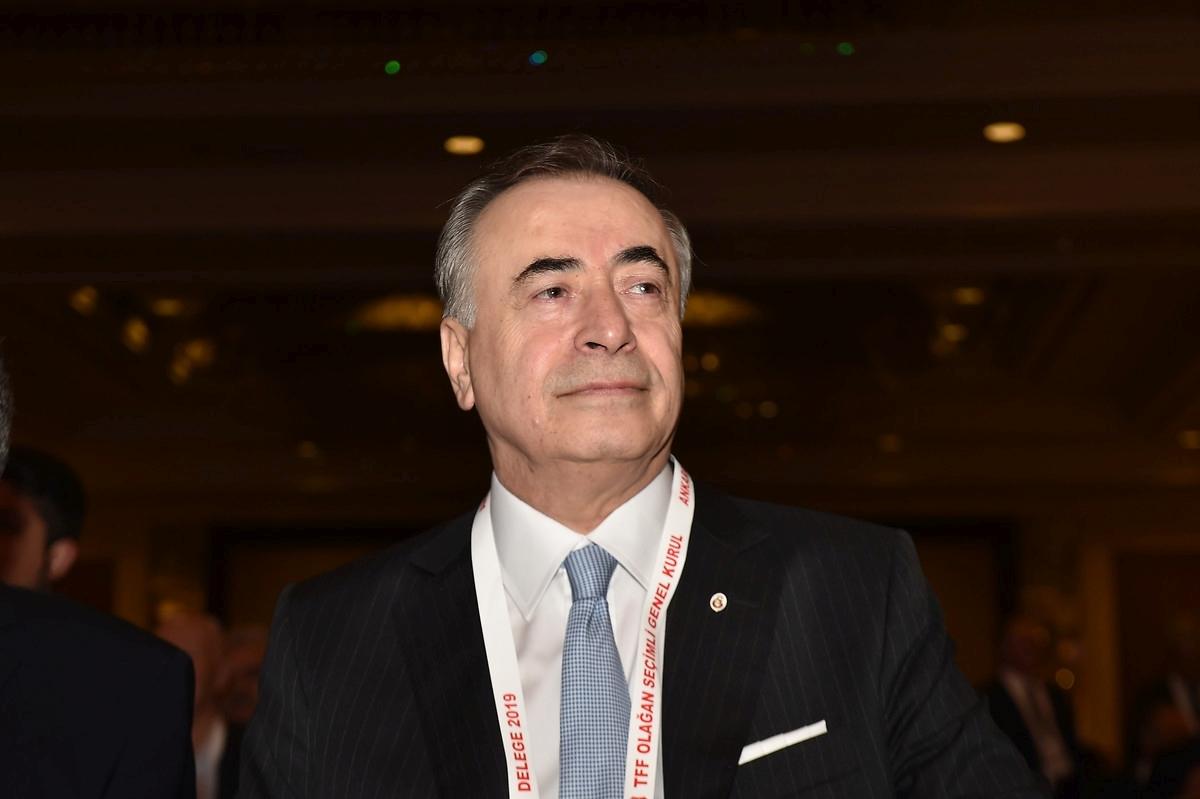 Galatasaray yönetimini şoke eden talep! Transfer yasağı mı geliyor?