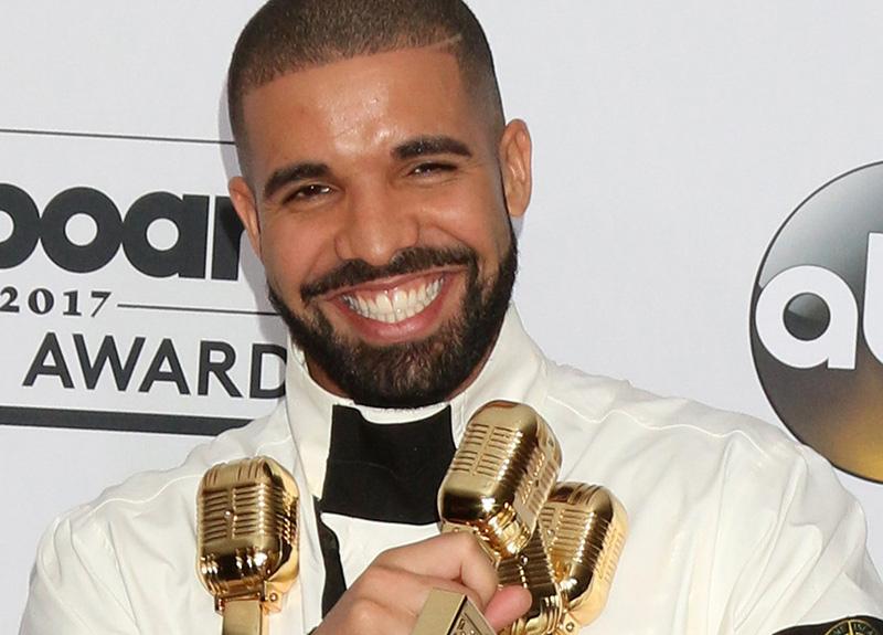 Drake, Beatles'ın rekoru kırdı!