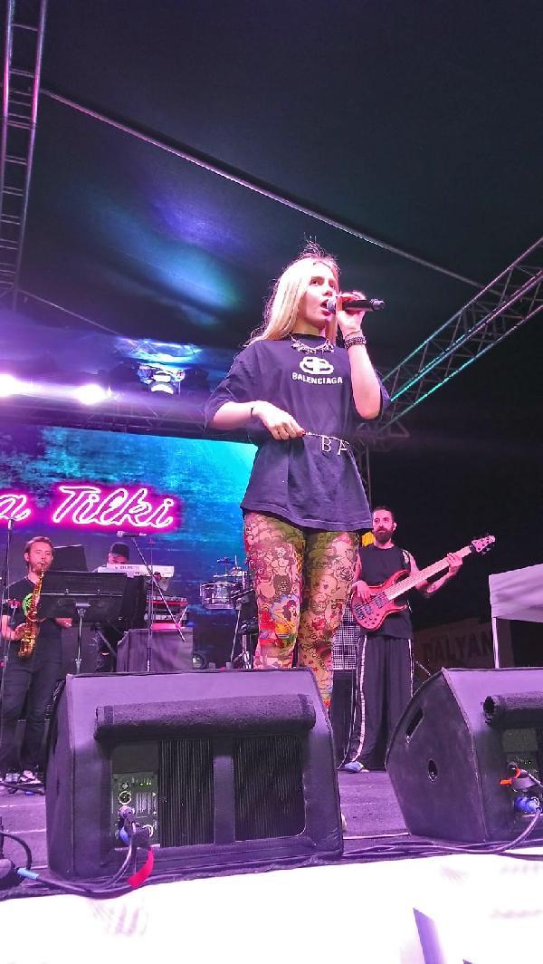 Aleyna Tilki'den 30 bin kişiye konser