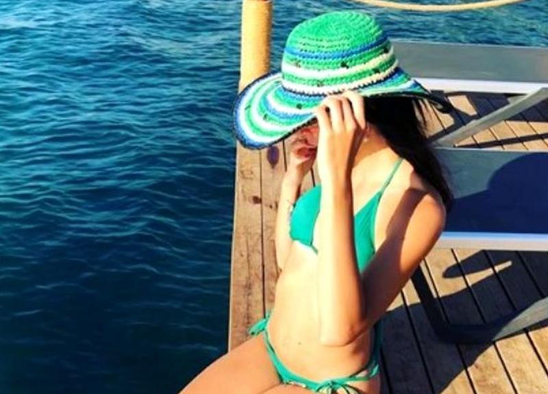 Kıvılcım Ural'ın bikinili fotoğrafına beğeni yağdı