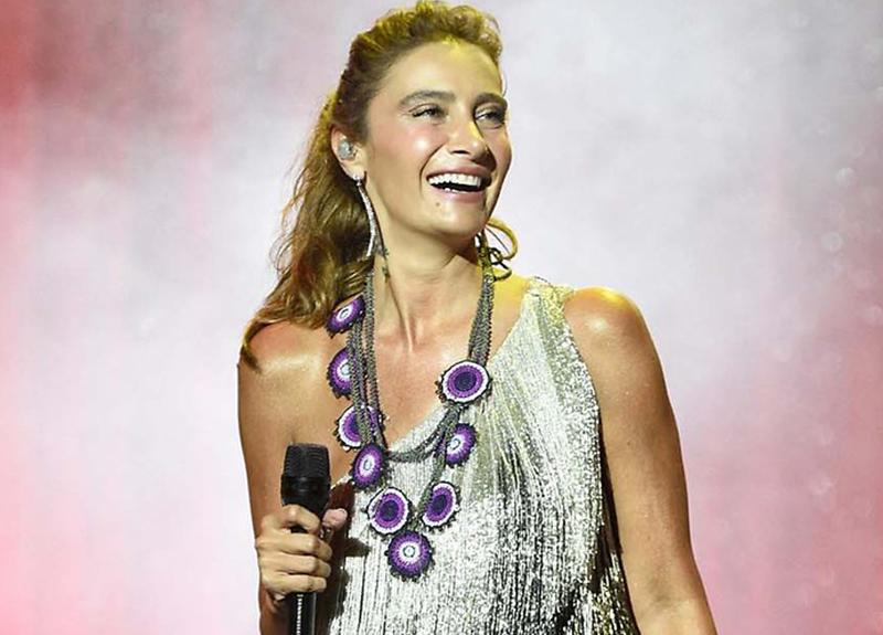Ünlü şarkıcıdan Sıla'ya destek: Yatarak da söyler!