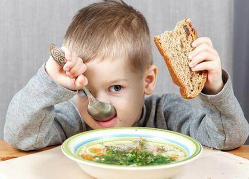 Çocuğunuz yemek yerken yoruluyorsa dikkat!