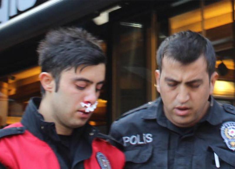 Kimlik kontrolü yapan polise saldırı