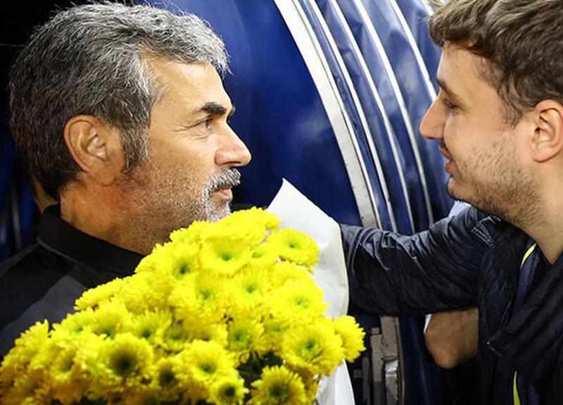 Fenerbahçe taraftarından Aykut Kocaman'a jest!