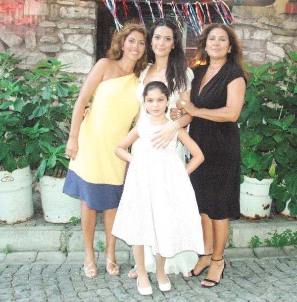 Zeynep Korel: Kardeşimi yıllardır görmüyorum, hamile olduğunu...