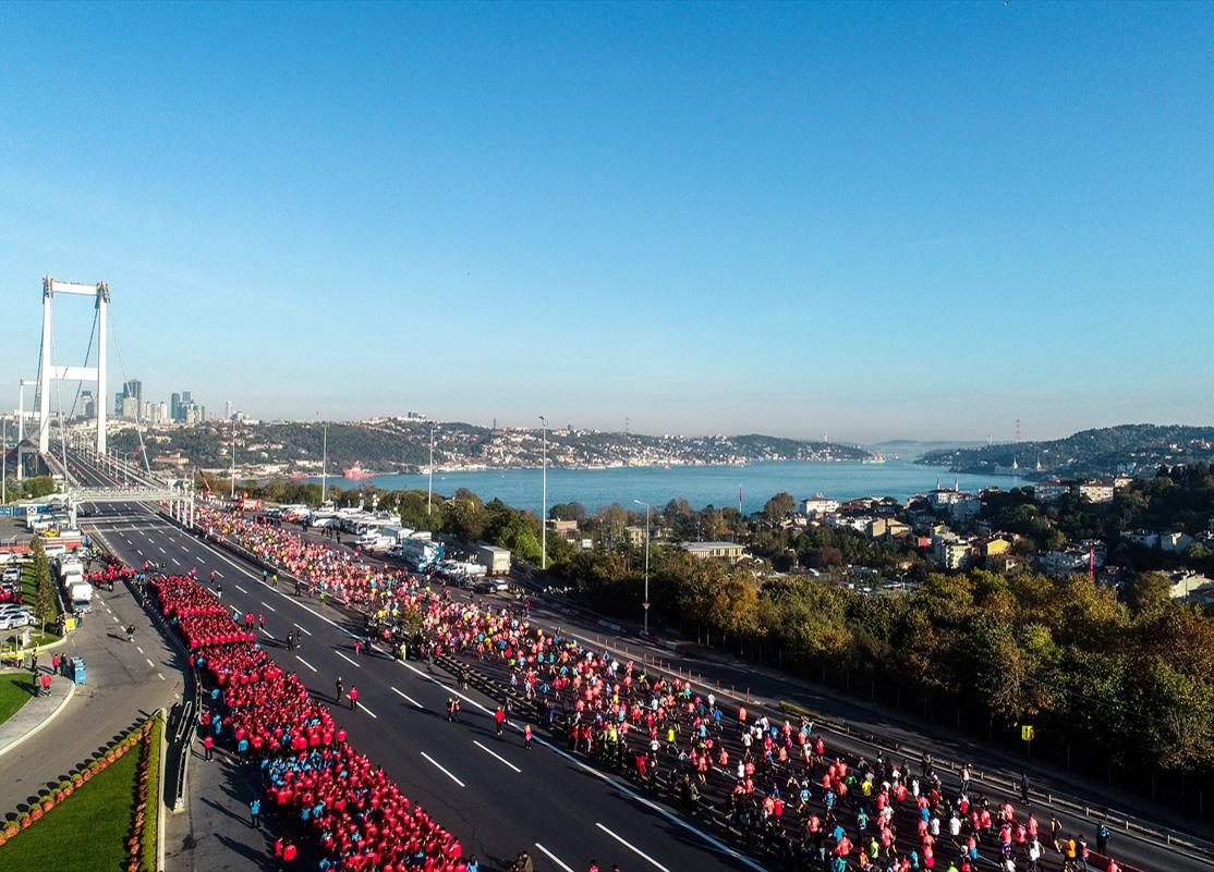 Vodafone İstanbul Maratonu başladı! Peki hangi yollar kapalı? Ne zaman bitecek?