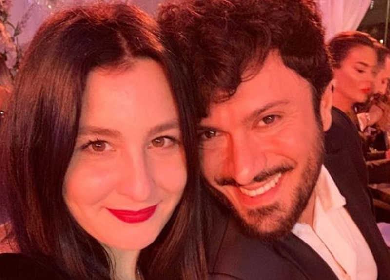 Sosyal medyada çektiği videolarla fenomen olan Yasemin Sakallıoğlu ve Burak Yırtar barıştı