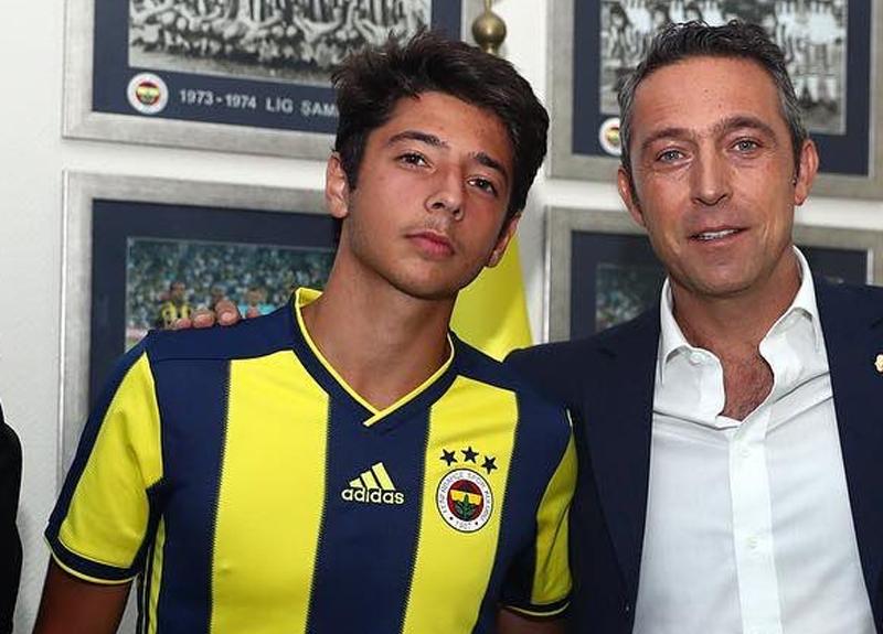 Fenerbahçe'nin genç yıldızı Muhammed Gümüşkaya kimdir, kaç yaşında, hangi mevkide oynuyor?