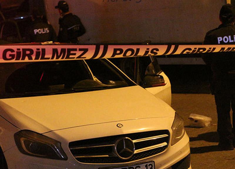 Beyoğlu'nda silahlı çatışma: 3 yaralı