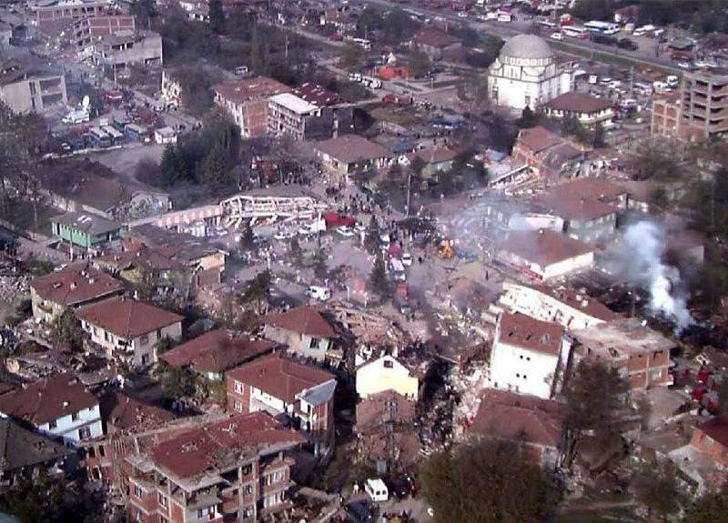 Türkiye'de son büyük depremler nerede, kaç şiddetinde olmuştu? Van depremi, 19 Ağustos 1999 depremi...