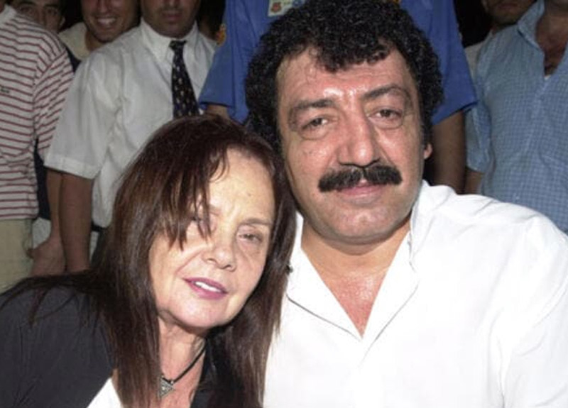 Müslüm Gürses'in hayat arkadaşı Muhterem Nur'dan güzel haber!