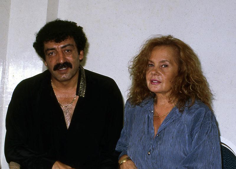 Müslüm Gürses'in eşi Muhterem Nur öldü mü? Ortalığı karıştıran iddia ile ilgili açıklama