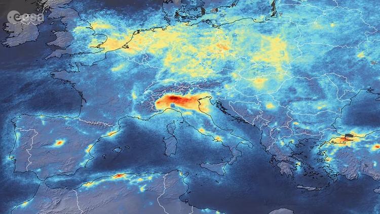 Koronavirüsle mücadele eden İtalya'nın son görüntüsü şaşırttı