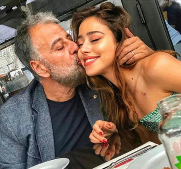 Hamdi Alkan'ın kızı Zeynep, Hollanda'da mahsur kaldı!