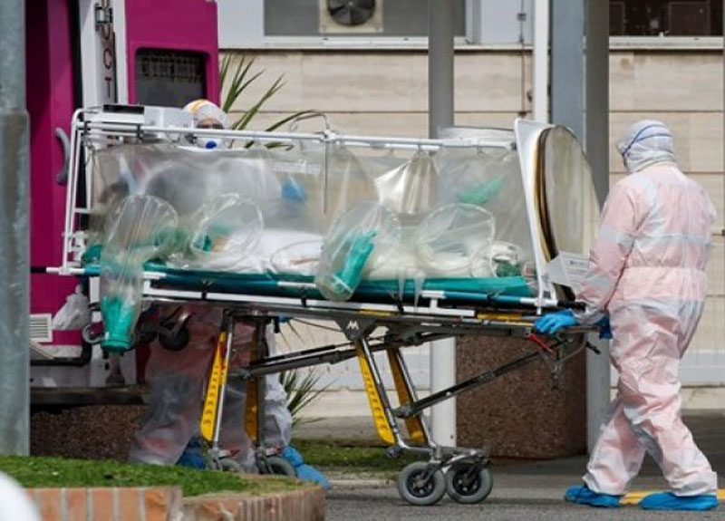 İtalya'da koronavirüs nedeniyle son 24 saate 793 kişi hayatını kaybetti