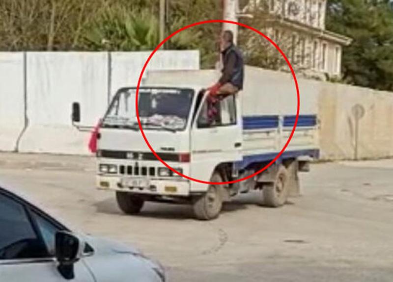 Mardin'de bir sürücünün tehlikeli şekilde araç kullandığını görenler gözlerine inanamadı