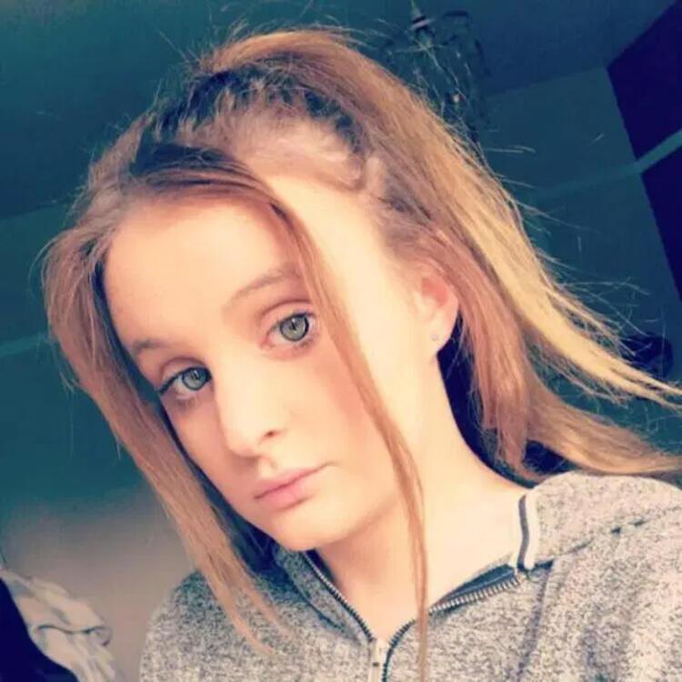 İngiltere'de şok! Koronavirüs 21 yaşındaki genç kızı öldürdü