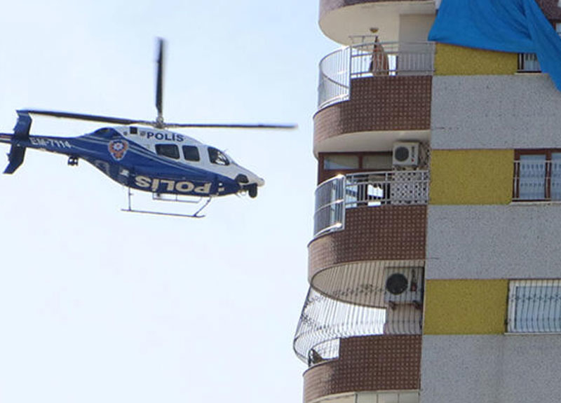 Polisten havadan helikopterle koronavirüs uyarısı: Evde kal Adana