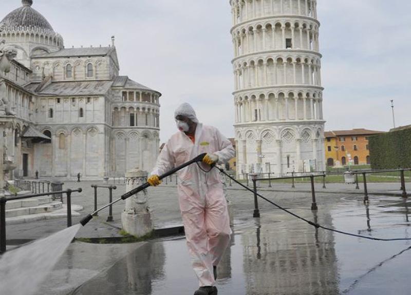 İtalya'da koronavirüs salgınında can kaybı 15 bini aştı