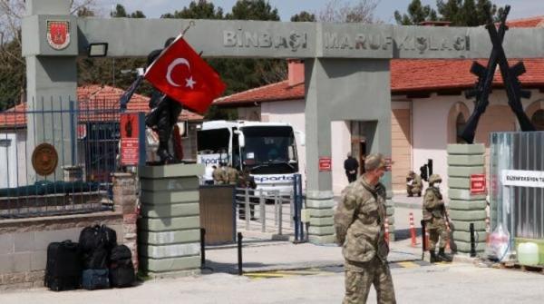 Burdur'da 1157 bedelli asker terhis oldu! Koronavirüs kurallarına özen gösterildi!