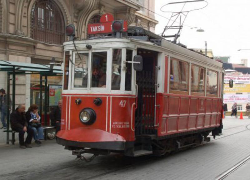 Taksim ve Moda'daki nostaljik tramvayın seferlerine ara veriliyor!