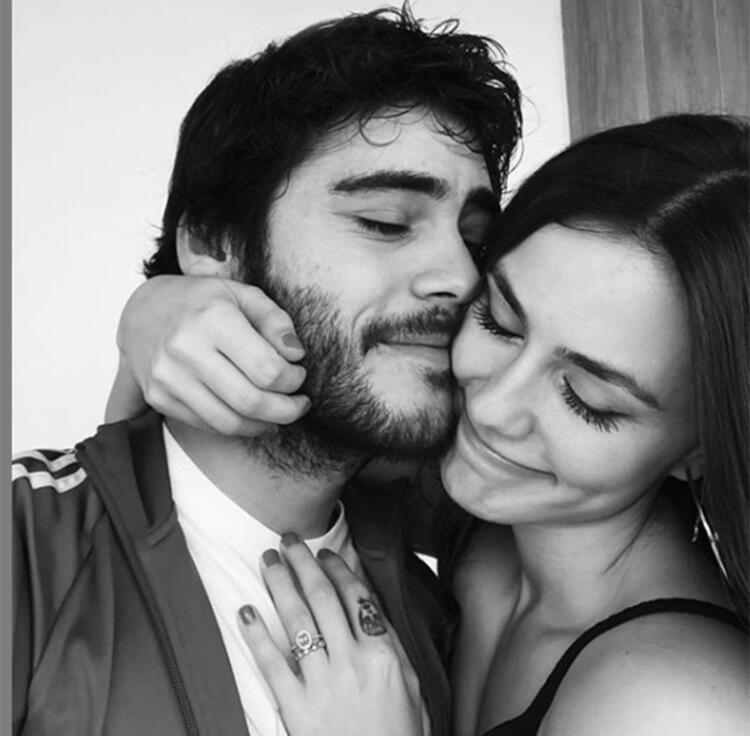 Dilan Telkök - Berkay Hardal çiftinden aşk pozu