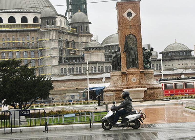 İstanbul sokakları motosikletli kuryelere kaldı!