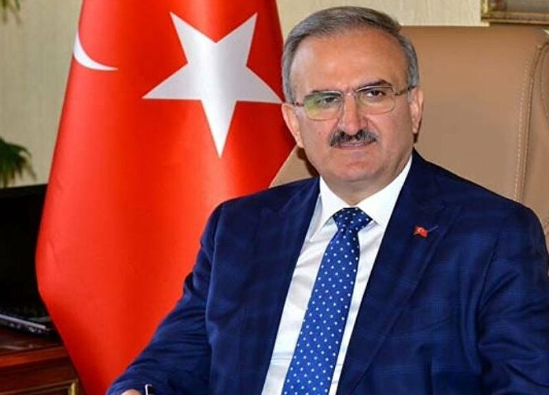 Antalya'da 5 kişiye kavga edip sosyal mesafeyi ihlal ettikleri için ceza kesildi, vali şaştı kaldı