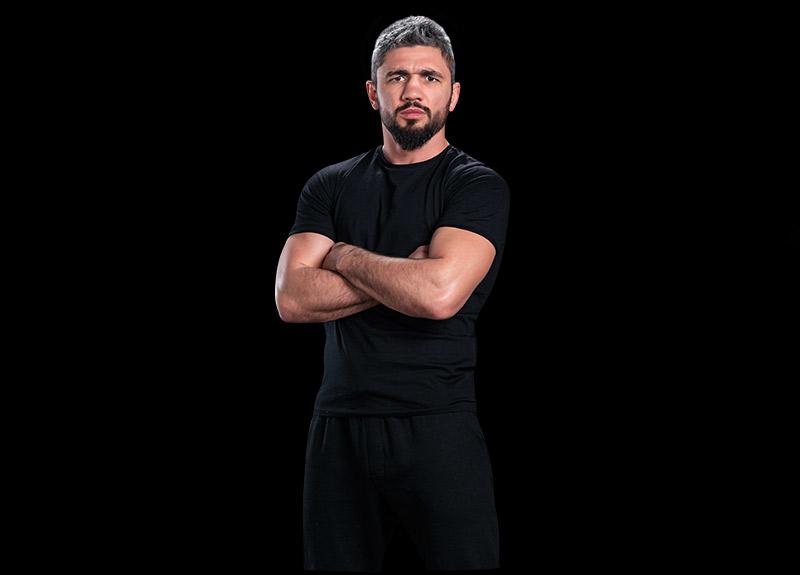 Survivor Parviz kimdir? Survivor'dan elenen Parviz Abdullayev kimdir, kaç yaşındadır?