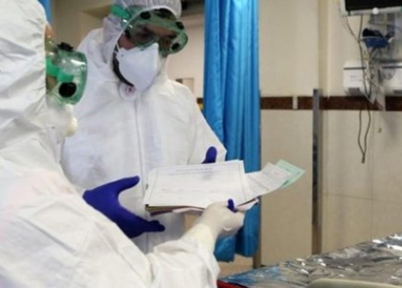 Koronavirüs tedavisine alınan bir kişiden doktorları duygulandıran not: Ömür boyu duacınız olurum