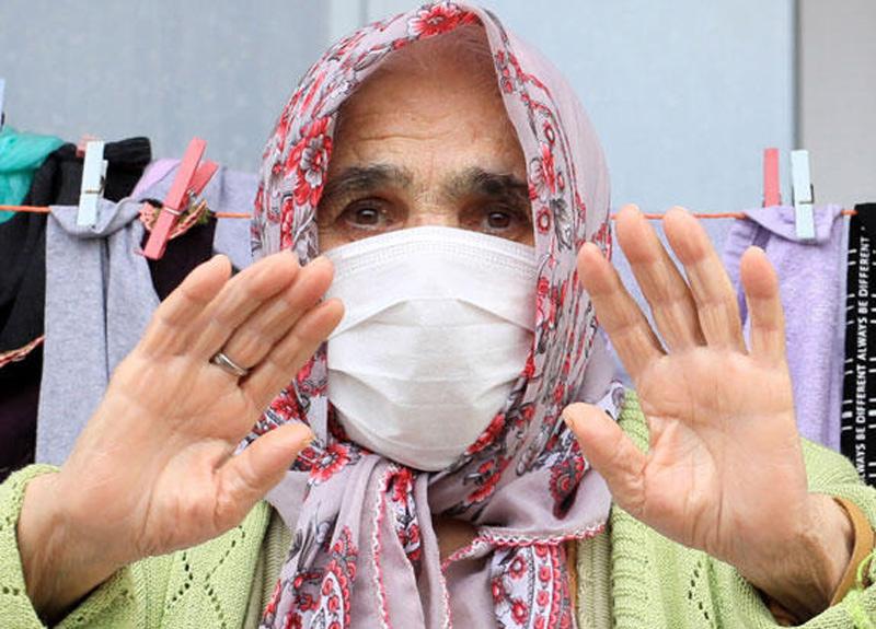83 yaşında koronavirüsü yenen Ayşe Polat'ın iki oğlunu virüs sebebiyle kaybettiği ortaya çıktı