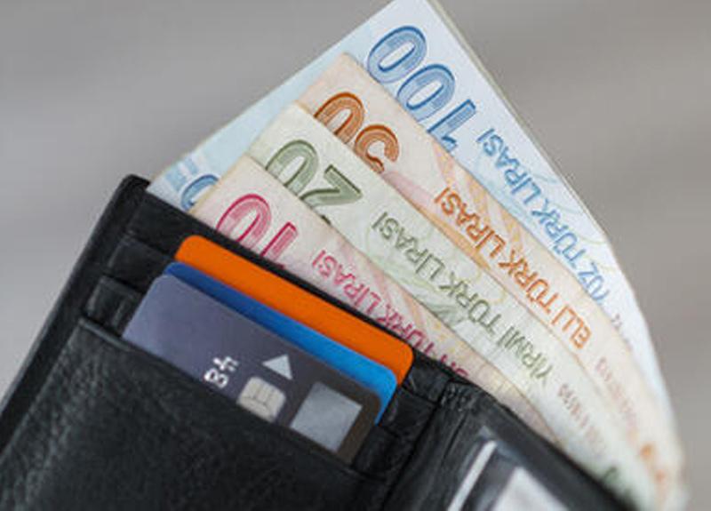Koronavirüs bulaş riskini azaltmak için kredi kartı kullanımı önerisi