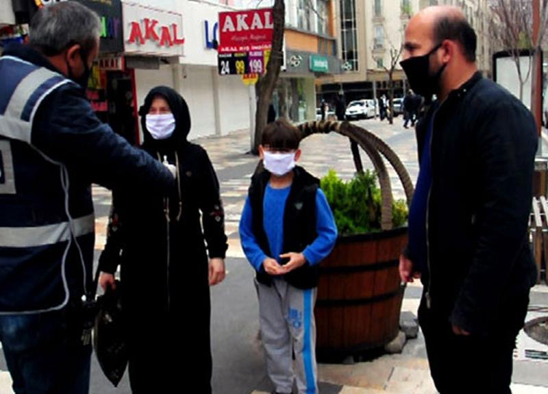 Çocuğuyla sokağa çıkıp, ceza yazılan baba: Ölürse benim çocuğum, sana ne oluyor