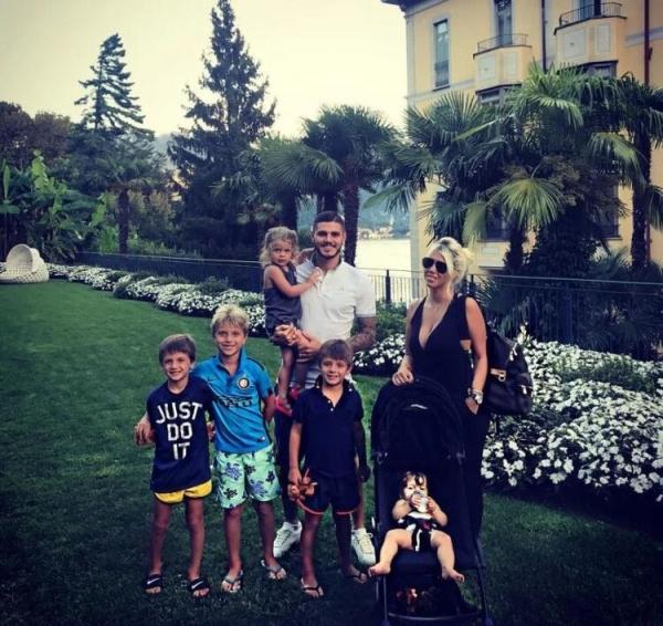 İtalyan futbolcu Icardi, 21 triyonluk villasında karantinada!