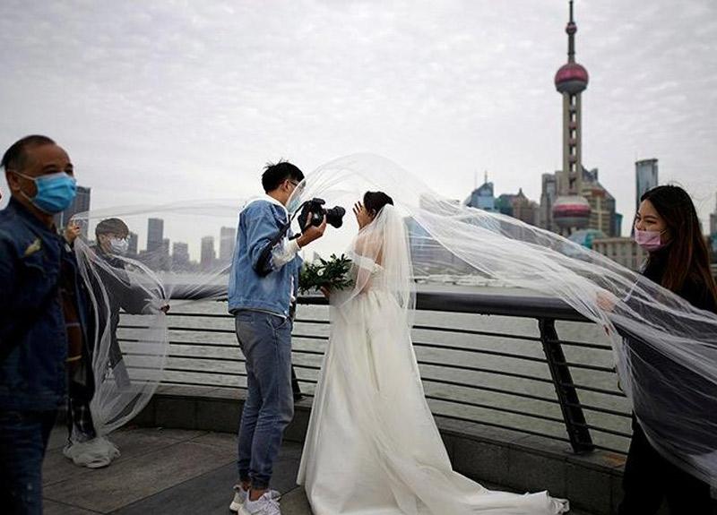 Koronavirüsü sonrasında Çin'de evlilikler fırladı!