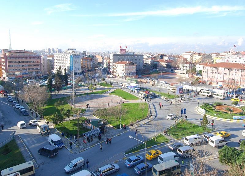 İstanbul'da 8 işlek yer yaya trafiğine kapatıldı