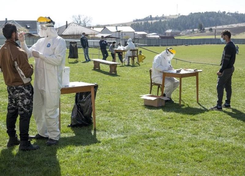 İngiltere'de koronavirüs yüzünden 9 bin 875 kişi yaşamını yitirdi