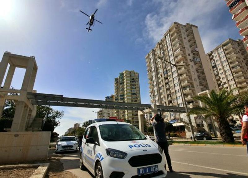 Adana'da sokağa çıkma yasağını helikopterle denetlediler!