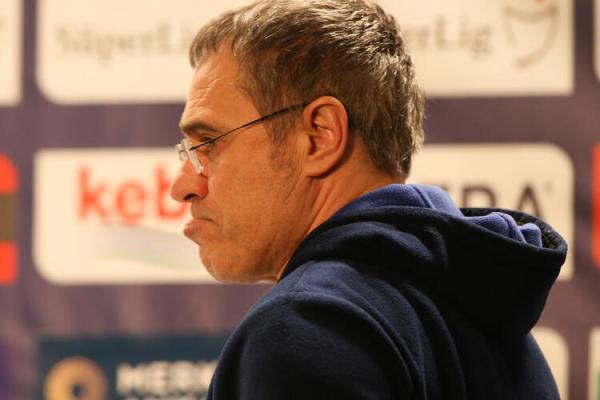 Teknik adam Laurent Blanc'ten Fenerbahçe'ye yanıt!