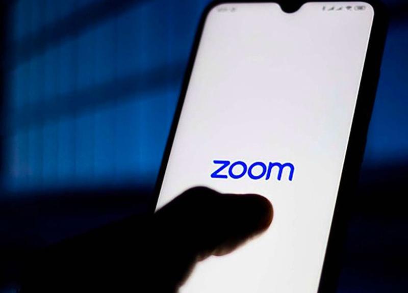 Koronavirüs salgını sonrası tercih edilmeye başlanan Zoom'da 500 bin kişinin bilgileri çalındı