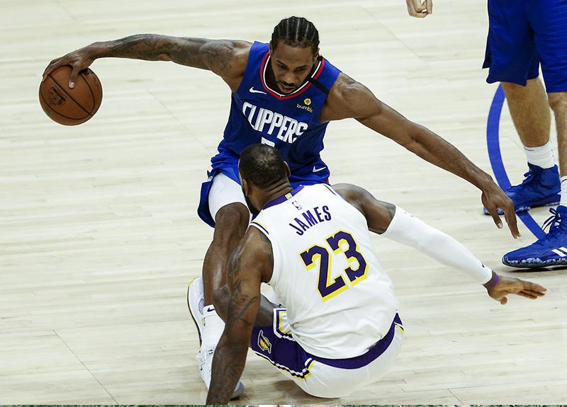 NBA'de forma giyen oyuncularla anlaşıldı: Koronavirüs nedeniyle maaşlar yüzde 25 kesilecek